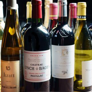 100種類のボトルワインと13種類のグラスワイン