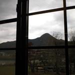 こっとん亭 - 店内から見える山の風景は格別です。