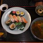 こっとん亭 - 一日8食限定 寿司定食
