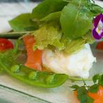 ル・レストラン・ドゥ・ヨシモト - 1)サーモンマリネとポーチドエッグのサラダ仕立て(選択)