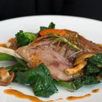 ル・レストラン・ドゥ・ヨシモト - 5)フランス産もも肉のコンフィ、ローズマリーの香りをつけて