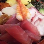 宝寿司 - 大盛りはネタも増量!