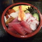 宝寿司 - ちらし寿司大盛!680円!