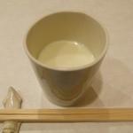 川島豆腐店 - まずは豆乳