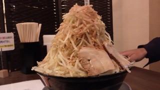 ラーメン・つけ麺 笑福 - 醤油ラーメン野菜バカ増し、かつおぶし増し、カラメ増し