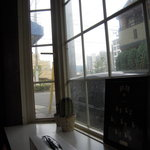カポ - 出窓からガーデンズが見えます