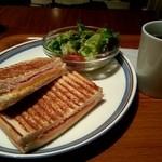 23290713 - パニーニのサンドイッチ