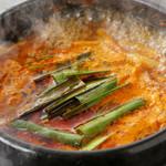 TonTon オンギー - スープはどれも熱々。