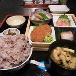 割烹 吉浜 - 日替わりランチ(800円)の箱膳