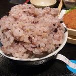割烹 吉浜 - 十六穀米。この盛り!