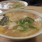 天琴ラーメン - 麺はつるん&スープもしっかり美味しい