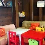 オレンジ カウンティ Cafe - 小さなお子様連れでも大丈夫なように、キッズスペースを完備しております。