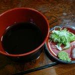 青崎山荘 - そばつゆと薬味