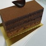 ル シャポン ファン - チョコレートと紅茶のケーキ 420円