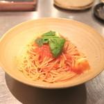 マガーリ - トマトとモッツァレラのスパゲティ (700円) '13 11月下旬