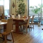 カフェ畑 Renge - 店内