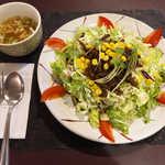 23304984 - シシリアンライス(スープ・コーヒー付¥650)。牛肉に存在感あり、この値段は安いです