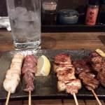 とりまこ - 料理写真:寄り道セットの焼き鳥とレモンサワー