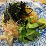 23311944 - 鯛の刺身 胡麻味噌掛け 山葵 茗荷 三つ葉 海苔