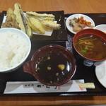 日本橋からり - 舞茸と野菜の天ぷら定食