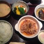 23312568 - 豚煮定食♫800円