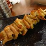 徳永肉酒場 - 鶏皮90円