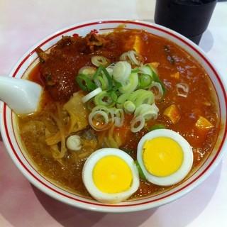 蒙古タンメン中本 大宮店 - 大宮駅東口の蒙古タンメン中本で夕食。五目蒙古タンメンを注文した。