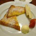 Roiyaruhosuto - フレンチトースト 2種のフルーツ添え
