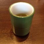 能登海鮮丼 みとね - お茶のおかわりはセルフで