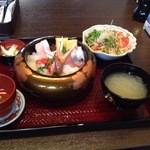 能登海鮮丼 みとね - 地物すし丼2100円