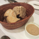 OGINO Red&Green Restaurant - パンとリエット