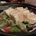 23324889 - ■おまかせサラダは豆腐が多く、ヘルスィーー