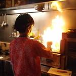 23327643 - 宮崎地鶏を炭火でごうごう!