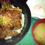 阿蘇とれキッチン にっこり - あか牛丼セット 1260円