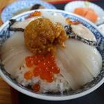 ぬいどう食堂 - 歌舞伎丼(烏賊・いくら・うに・鮑)