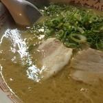 おかもと - ラーメン  絶品スープ