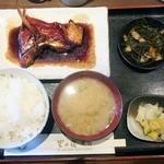 里の宿 - キンメ煮着け定食 1400円