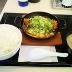 かつや - 料理写真:味噌カツ鍋定食