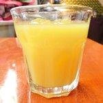 エコ ロロニョン - 【'13/12/24撮影】ローストポーク・ハニマスタードで 890円 のオレンジジュース