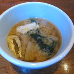 サイマーケット - 玄米プレートランチ:鶏もも肉正油麹漬けの唐揚げ、こんにゃくの味噌のせ、きんぴらごぼう、かぶの漬物、雑穀玄米ご飯、味噌汁6