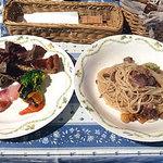 ヨッテリアコゴミ - 日替りパスタランチ(豚ホホ肉のパスタ) 900円