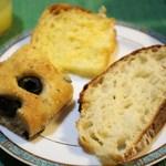 23345598 - 三種のパンで朝食