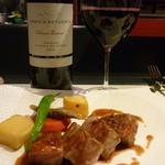 クラレット - 付け合せまで美味しいメインの豚と赤グラス