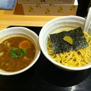 つけめん 蕾 - 大宮駅東口のつけめん 蕾 本家で昼食。濃厚煮干しつけ麺を注文した。