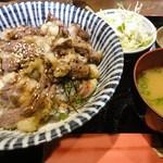 23349904 - コーネ丼定食