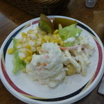 23350626 - サラダはヘルシーで美味しかった
