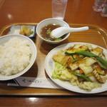 四川飯店 - イカと野菜の辛子炒め 840円