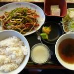 ラーメン春華 - 料理写真:チンジャオロース定食 \700