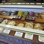 鉄砲不動漬本舗 川村佐平治商店 - にんにく漬けやラッキョウも美味しそう