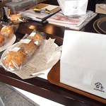 CAFE NICO - 店頭で手作りのケーキ類を販売されています(ケーキセットはこの中からチョイス)
